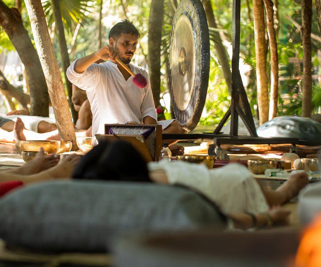 gong-bath at palmaia